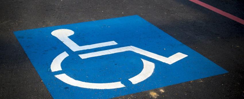 Plaça de d'aparcament per a persones amb mobilitat reduïda