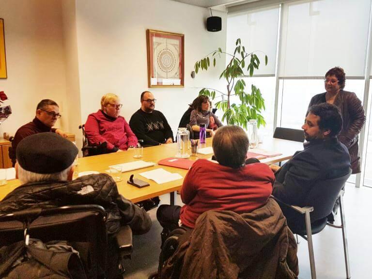 La Junta Directiva d'ECOM reunida amb la consellera de Treball, Afers Socials i Famílies, Dolors Bassa, i amb el Secretari d'Afers Socials i Famílies, Francesc Iglesias